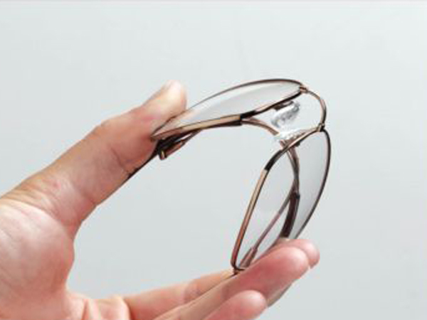 bendable_glasses
